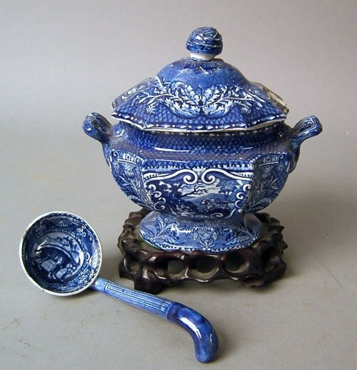 Pearlware covered sauce tureen, 19th c.,