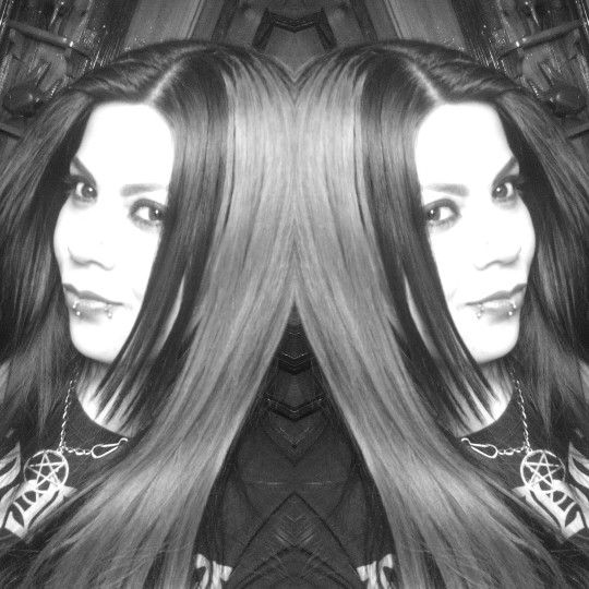 #Rouge #blackmetalgirl #blackandwhite #mirror #metalhead #pentagram #piercing