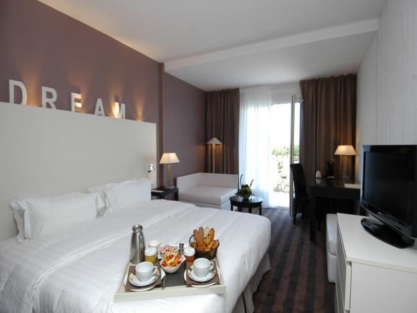 Week-end Thalasso Ile de Ré Carrefour Voyages, promo séjour Ile de Ré Hotel Atalante 4* prix promo Carrefour Voyages à partir 489.00 € TTC 4...
