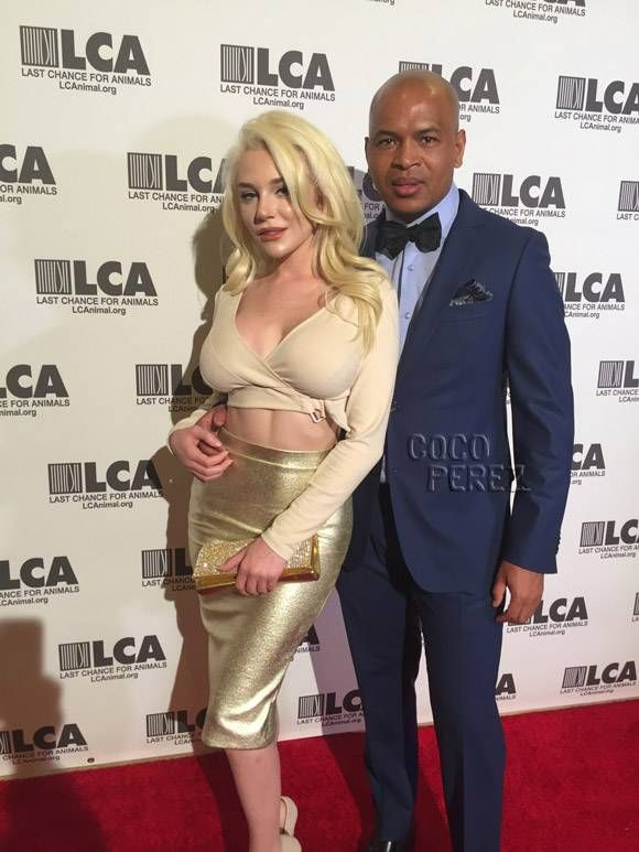 Courtney Stodden Glitters In Gold At Last Chance For Animals Event