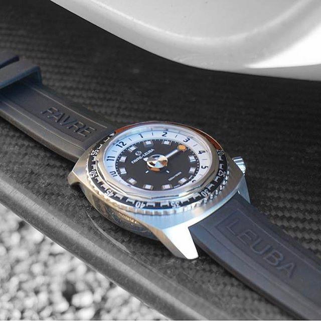 Cortesía de @favreleuba - marca de relojes suizos segundo más antiguo del mundo, que vuelve con su nueva colección.  # Favreleuba1737 Modelo: Arpón