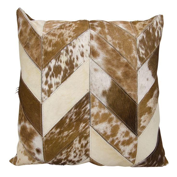 Mina Victory Dallas Cow Print Chevron /White Throw Pillow