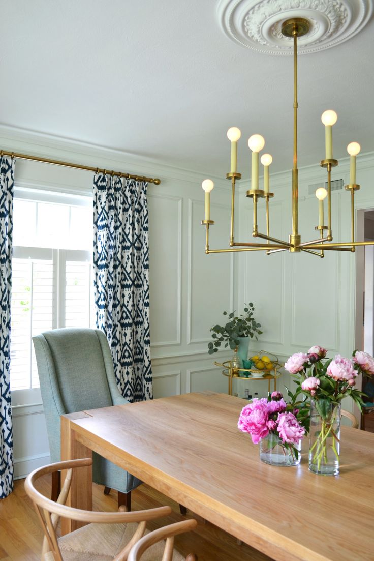 Dining room makeover: http://www.stylemepretty.com/living/2015/08/03/a-dining-room-makeover/   Design: Rehabitat - http://rehabitat-interiors.com/