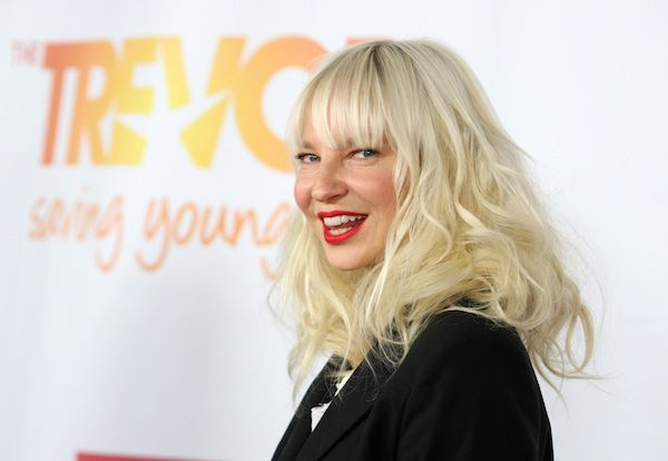 """Sia Chandelier 
