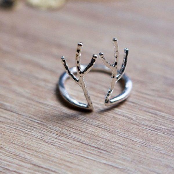 1000 id es sur le th me bague en bois de cerf sur pinterest anneaux de titane anneau en bois. Black Bedroom Furniture Sets. Home Design Ideas