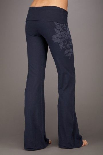 Cute yoga pants- if only yoga pants were socially acceptable everywhere. I would be one very HAPPY girl!