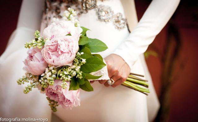 pink peonies, molina + royo photography, Las bodas de Tatin