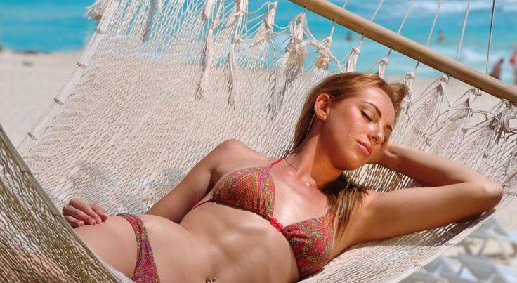 El Hotel Gran Oasis Cancún, es un complejo de 4 estrellas y Todo incluido situado en una playa privada y cuenta con un spa, un campo de golf de 9 hoyos, pistas de tenis y un gran conjunto de piscinas al aire libre rodeadas de jardines tropicales. El centro de Cancún está a 15 km.