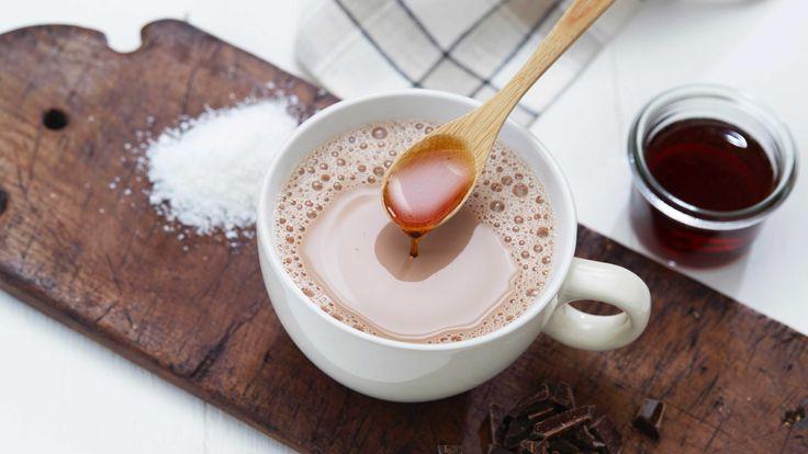 Varm kakao med karamellsmak og et hint av salt smaker fantastisk. Prøv og bli overrasket!