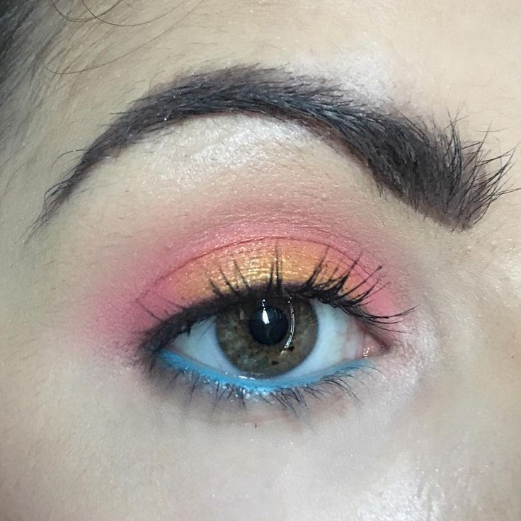 And then you realize, you turned yourself into a sunset.  ___  All shadows are from @colourpopcosmetics Centerfold in the crease, Slim Fit & Heat on the lid.  I also used @occmakeup Pool Boy pencil in my waterline.  ___  #makeuplove #crueltyfree #crueltyfreemakeup #veganmakeup #veganbeauty #vegancosmetics #vegansofinstagram #noanimalcruelty #mycrueltyfreeface