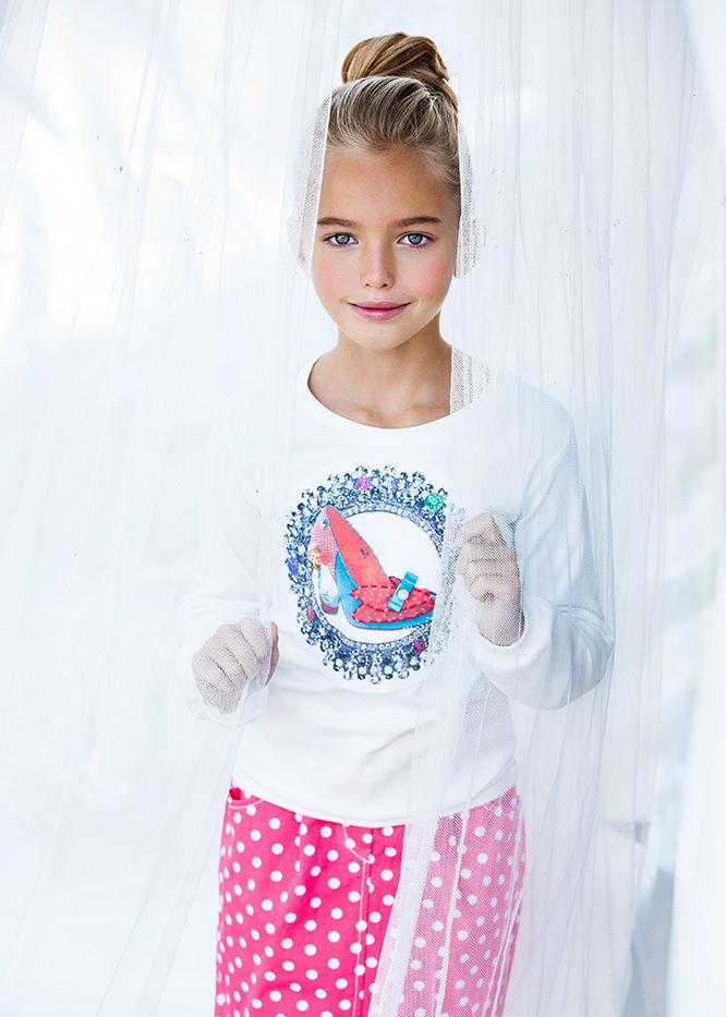 Have a wonderful weekend with sunny Anastasia Bezrukova ☀☀☀☀. Photographed by Vika Pobeda vikapobeda.com  www.kidsphotoproduction.com  #children# #fashion# #kidsfashion# #fashionkids# #style# #hair# #hairstyle# #cute# #kids# #cutekids# #vikapobeda# #losangeles# #california# #AnastasiaBezrukova#