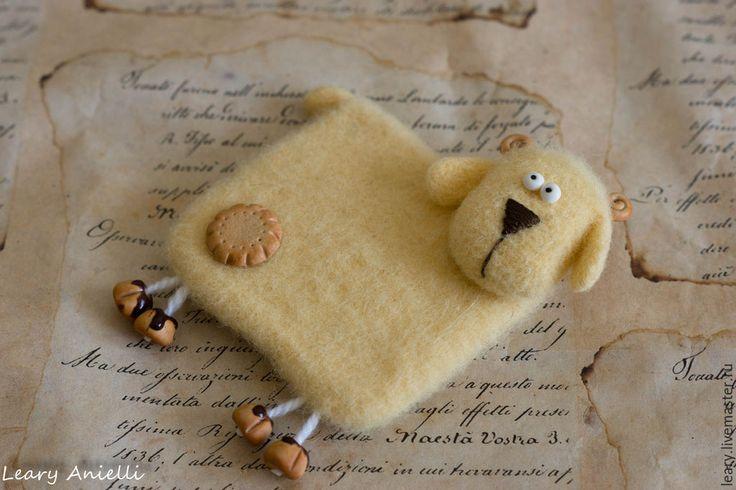 """Купить """"Овечка Печенька"""" валяный из шерсти магнит на холодильник - желтый, магнит, магнит на холодильник, овечка"""