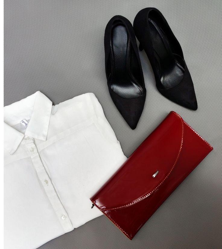 Today's outfit / Zestaw dnia / Red purse / Czerwona torebka / Black high heels / Czarne szpilki / White shirt / Biała koszula / Więcej na www.elfrika.pl