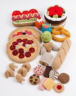 3boulangerie-patisserie_small2  Cute crochet croissants and other French delights!