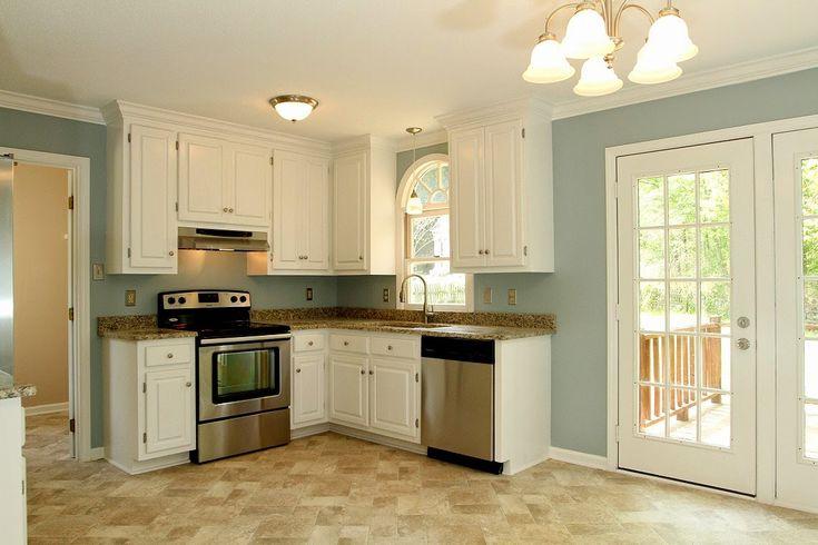 Kitchen Walls: Benjamin Moore- Wedgewood Gray (HC-146)