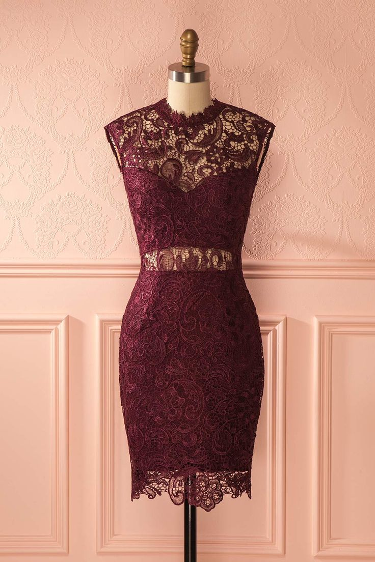Voici la parfaite candidate pour un accord robe et dîner à la chandelle.  This dress is the perfect candidate to pair with a dinner by candlelight. Ronja - Burgundy lace cocktail dress www.1861.ca