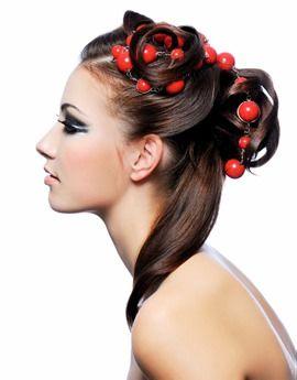 Kapsels opsteken: de knot en haaraccessoires