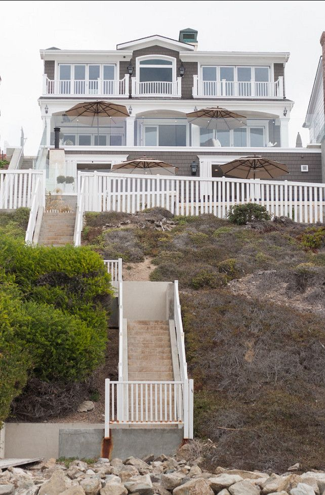 California Beach house back beachside.  This would be my dream.