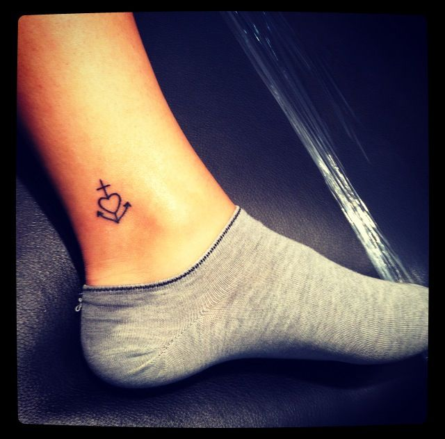 Sister's tattoo! I know youre not too excited about the whole anchors or hearts thing, but this is really cute! ;) @Emali Laine Pickering