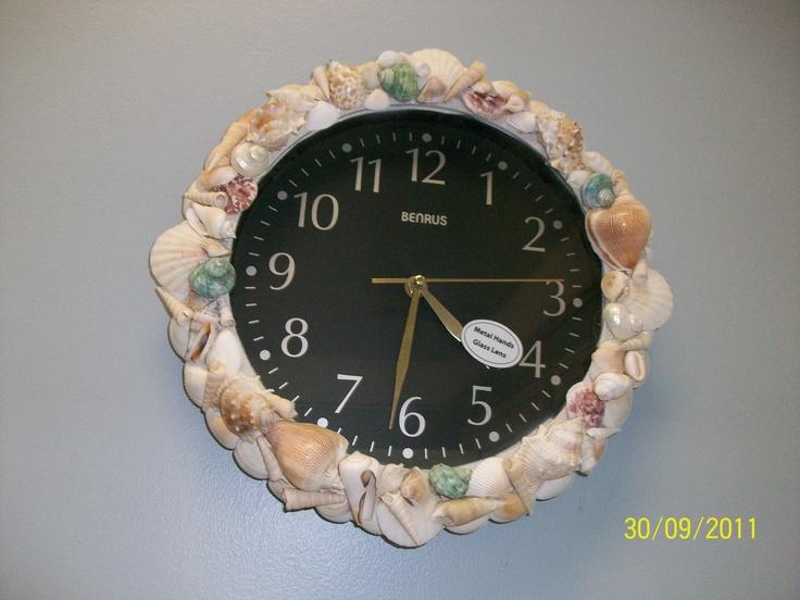 Beautifully handmade seashell clock shell mirrors fish for Seashell clock