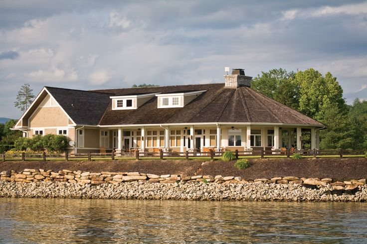 Hop in your boat and motor over to our rustic Lakehouse Restaurant for casual, scenic, waterfront dining. Social events take place here throughout the year, giving groups a place to gather, talk and laugh with views of Lake Keowee as their backdrop.