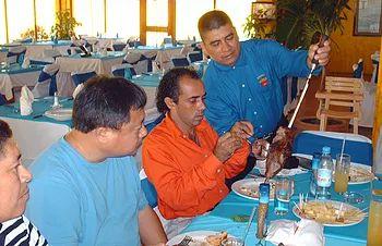 Restaurante de carnes selectas brasileñas presentadas en espadas con un sistema rotativo acompañado de nuestras ensaladas tipicas