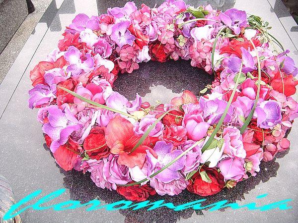 01.11.2013 Wianek - średnica 70 cm, kwiaty sztuczne...