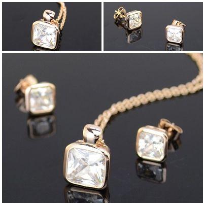 Set bijuterii cristale Swarovski.