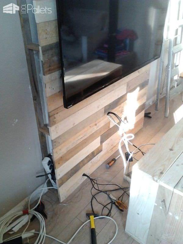 25 best ideas about pallet tv stands on pinterest. Black Bedroom Furniture Sets. Home Design Ideas