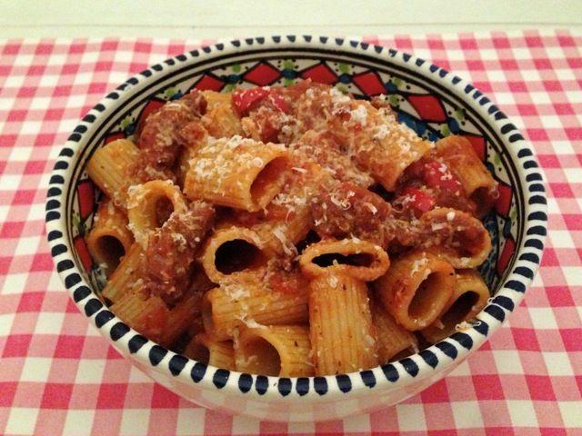 Pasta met tomatensaus en Gorgonzola | Het lekkerste recept vind je op Alles Over Italiaans Eten
