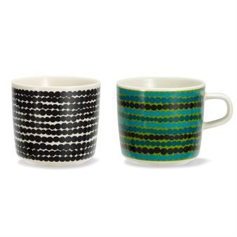 The Siirtolapuutarha coffee cup in green with handle or black without handle, is designed by Sami Ruotsalainen with décor by Maija Louekari, and is part of the In Good Company series from Marimekko. The series contains cups, bowls, plates and teapots in stylish, timeless design. Oiva is the name of the original model without décor.