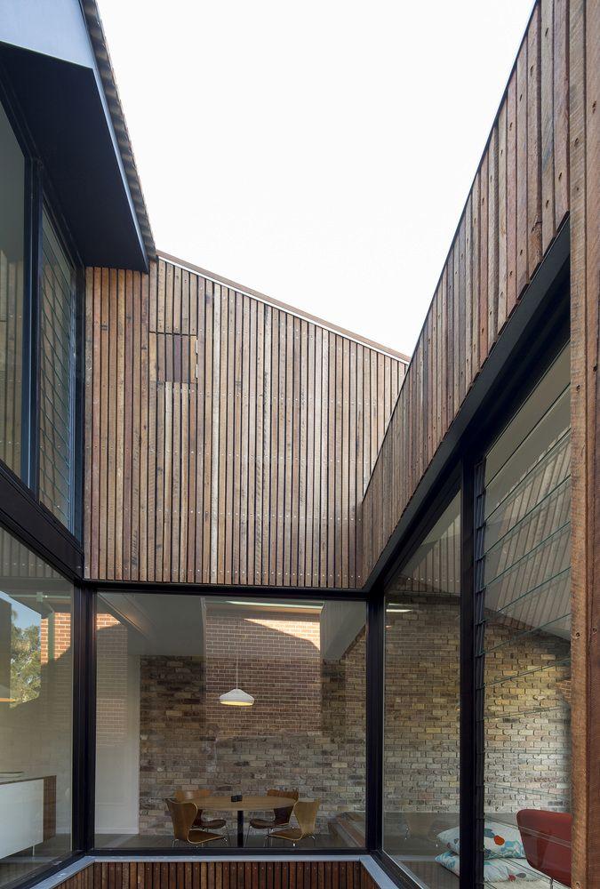 Casa de tejado inclinado,© Brett Boardman
