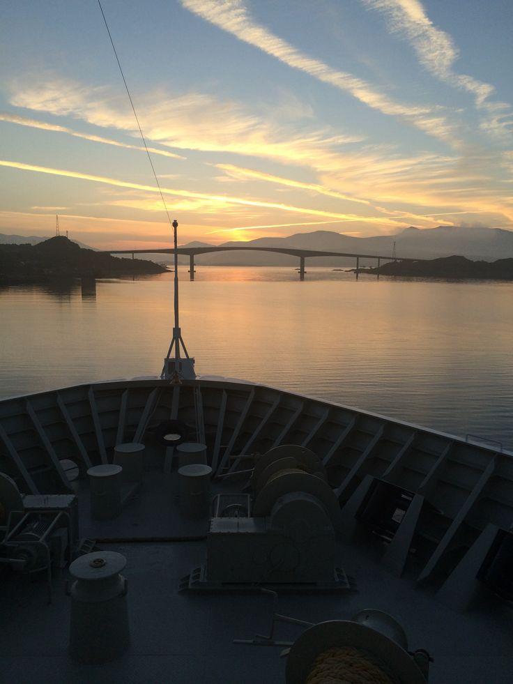 På kryssning med Hurtigrutens fartyg Trollfjord.