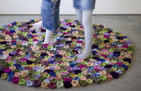 Wool flower rugs by Natalia Pepe - Wooow!: Diy Crochet Rugs, Rugs Hooks Ideas, Crocheted Flowers, Cute Ideas, Inspiration Flowers, Natalia Pepe, Inspiration Wool Flowers, Flowers Carpets, Crochet Flowers Rugs