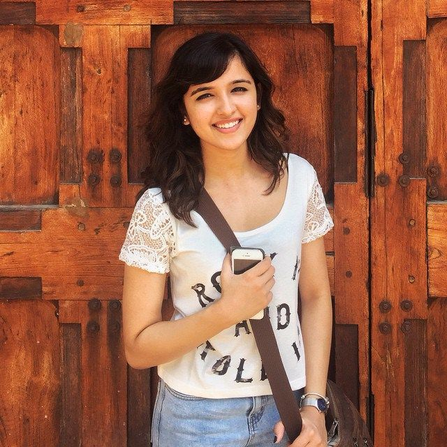 Shirley Setia Height, Weight, Bra Size Body Measurements