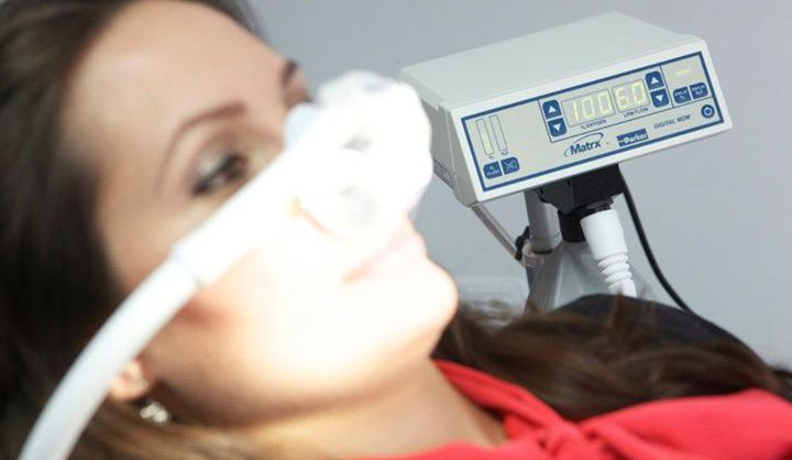 SEDAREA STOMATOLOGICA Suferi de anxietate numai la gandul de a merge la dentist? Frica este primul motiv care ar putea impiedica pe cineva sa viziteze dentistul. Unele persoane pur si simplu nu agreeaza ideea de ace si freza. Alte persoane au avut o experienta anterioara traumatizanta la dentist.