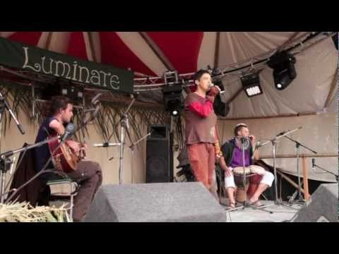 Redwood Reider freestyles @ Luminate Festival 2012 - YouTube