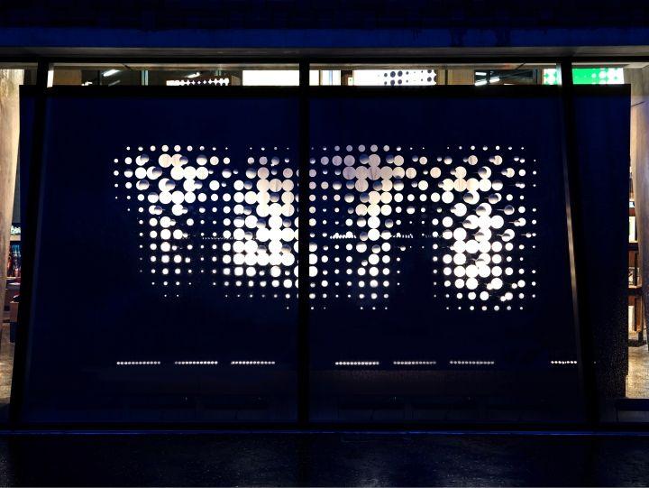 Креативные витрины магазина в Лондоне с 3D-эффектом