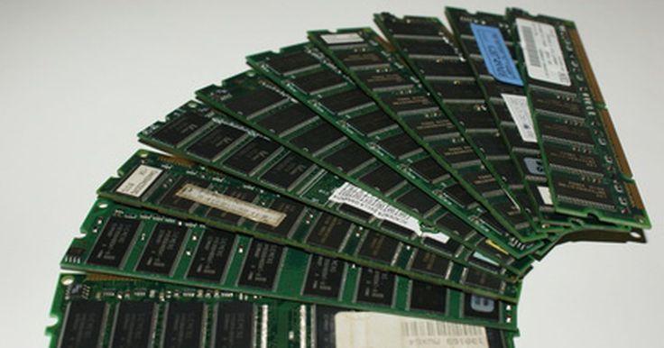 Diferencias entre DDR y DIMM. La confusión sobre la diferencia entre DDR y DIMM probablemente ocurre como resultado de un malentendido sobre los dos términos y algunos conceptos relacionados como RAM, DIMM y DDR. De forma concisa, DDR es un tipo de RAM que es almacenada en DIMM, aunque esta frase quizás no parezca tener sentido, si no conoces lo que estos términos significan.