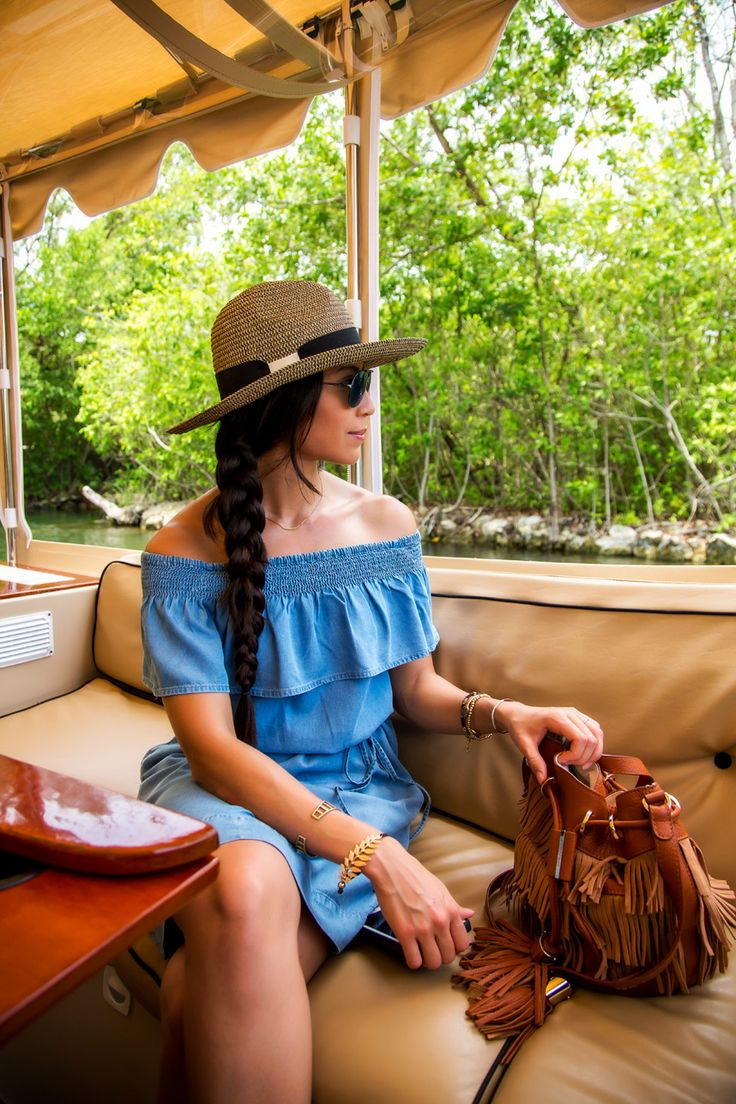 Easy Summer Style that's Perfect for Summer Travel http://stylishlyme.com/travel-clothes/summer-style/?utm_campaign=coschedule&utm_source=pinterest&utm_medium=Stylishlyme&utm_content=Easy%20Summer%20Style%20that%27s%20Perfect%20for%20Summer%20Travel