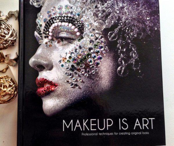 17 Makeup Books To Read If You Are An Aspiring Makeup Artist Cosset Moi In 2020 Makeup Books Makeup Makeup Artist