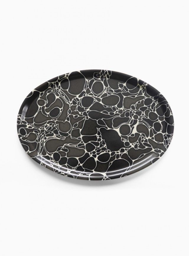 Marble tray by Karin Elvy! #nordicdesigncollective #karinelvy #marble #tray #grey #gray #black #blackandwhite #neutral #circles #marmor #kitchen #gift #homedecor #wedding #weddinggift #newlyweds #newlywed #love #heart #iloveyou #cook #homechef #eat #serve