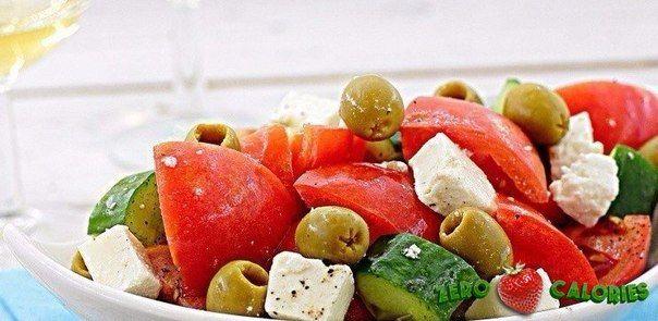 Салат с помидорами и брынзой на 100грамм - 91.98 ккал, Б/Ж/У - 3.44/7.2/3.22