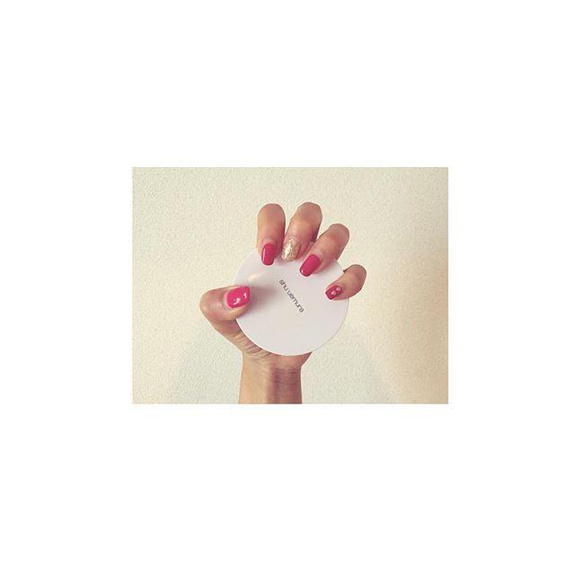 . ピンクネイル似合わなすぎた💅. . #nail #gel #gelnail #self #selfnail #pink #pinknail #shuuemura #핑크 #네일 #셀프네일 #핑크네일 #미용사 #헤어디자이너 #ジェルネイル #ネイル #セルフネイル #ピンク #シュウウエムラ
