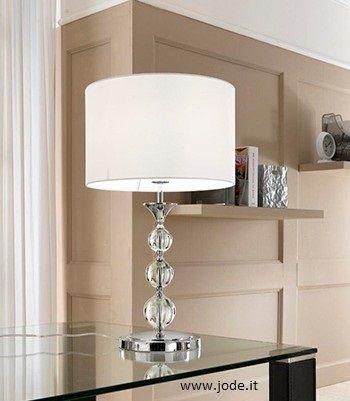 Leggiadra, elegante e bellissima questa #lampada  in #cristallo  e acciaio. Perfetta per ogni angolo della casa.