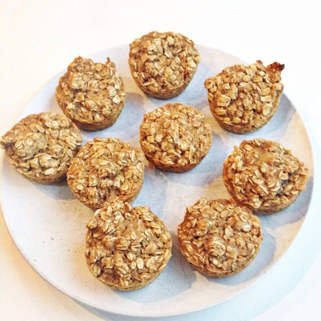"""Baked oatmeal muffins The stomach flu hit our home hard this weekend. Four of the six of is were hanging out around the bathroom! I think we are in the clear, and today, I am trying to feed them very neutral foods. After a night in the er with our blocked up toddler, we were talking to our doctor about foods beyond the BRAT diet. She told us that oatmeal is the ""great neutralizer"" and calms down all those stomach acids. So, oatmeal it was this morning. Recipe in comments "" Photo taken by @c"