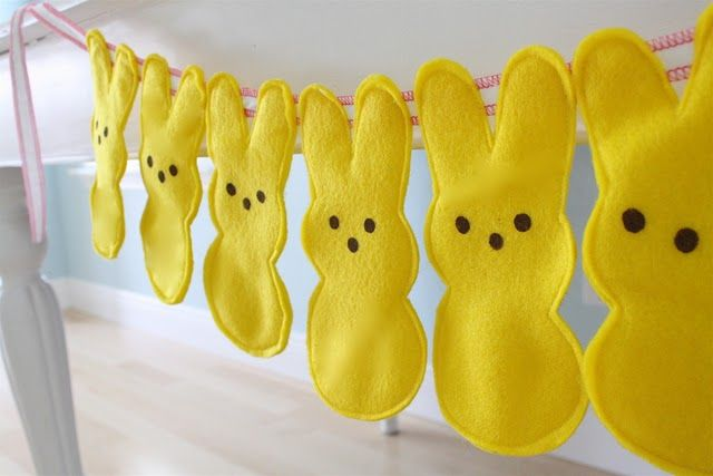 Oh my that's a cute peeps bunting! double layer the felt, sew all the way around and on to a ribbon, and use a pencil eraser to dot on the brown fabric paint. I've so gotta make these! They provide a template on this blog.