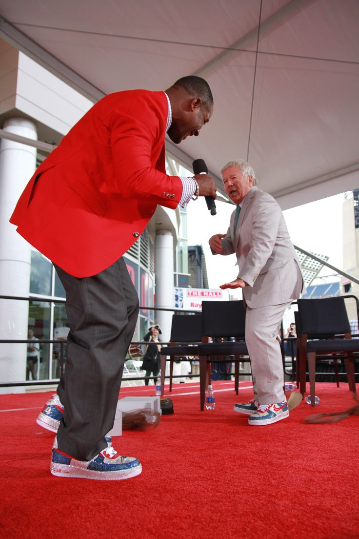 Ty Law & Robert Kraft breaking it down in their new shoes at the Hall of Fame induction ceremony!