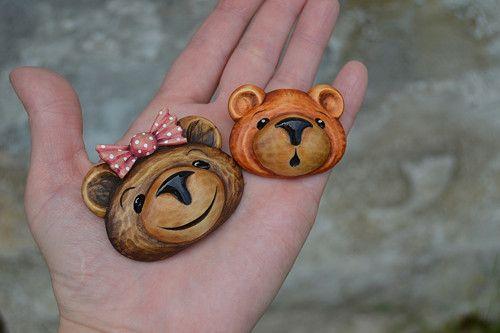 Medvědí holčička Megí - brož