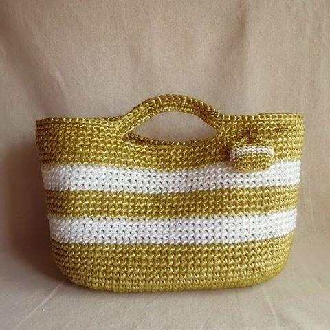 planet green 本日ブログで紹介したバッグ。 スズランテープ研究記事リンクあり。気持ちよくハンドメイドを楽しみたいものですね☺  #crochet #crocheting #プラネットグリーン #編みバッグ #かぎ針 #編み小物 #スズランテープ #スズランテープバッグ #ビニールテープ #ハンドメイド #編み物